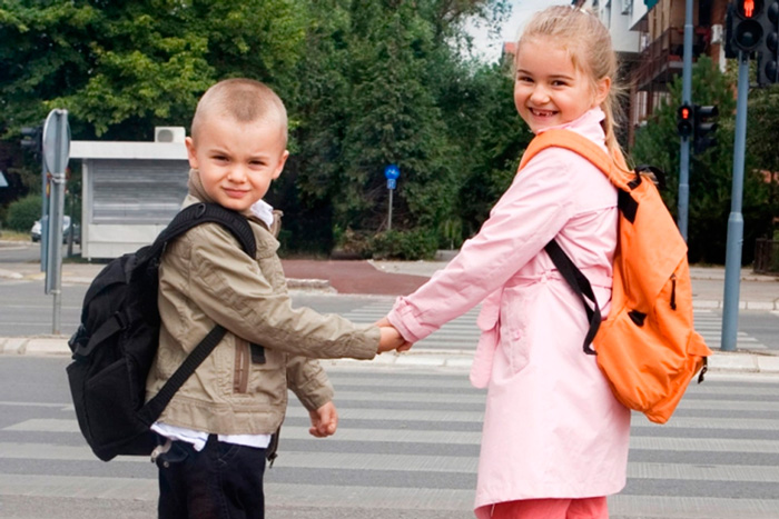 Если ребенку шесть лет и более, в паспорте родителей должна быть его фотография