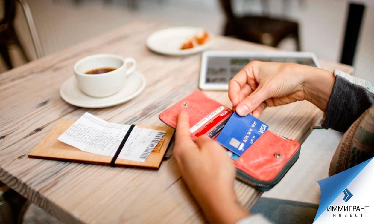 Банковские карты принимаются в Венгрии практически везде – от крупных супермаркетов до маленьких кафе