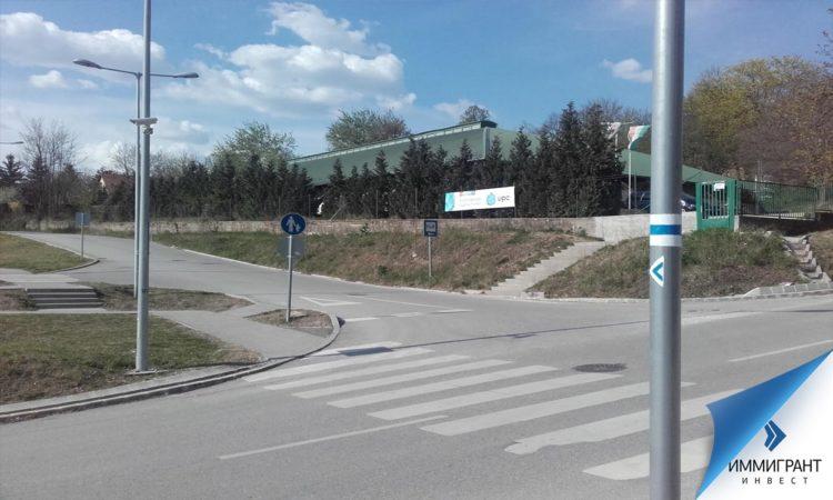 Венгрия имеет разветвленную сеть автодорог протяженностью около 200 тыс. км