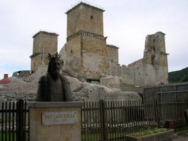 Замок Диошдер в Венгрии собрал в себе все неотъемлемые элементы готики