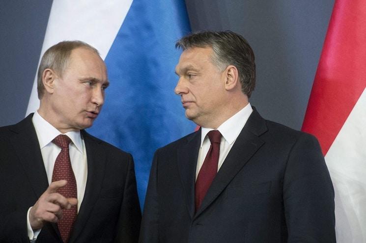 Одним из своих главных союзников во внешней политике Виктор Орбан считает Россию. На фото: Владимир Путин и Виктор Орбан