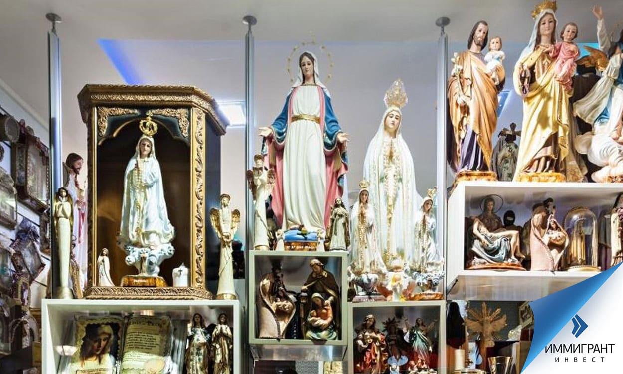 Церквям Венгрии запрещено сдавать в аренду помещения: можно только продавать церковные книги и утварь