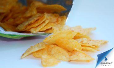 Покупая фасованные продукты питания, венгры платят «чипсовый налог»