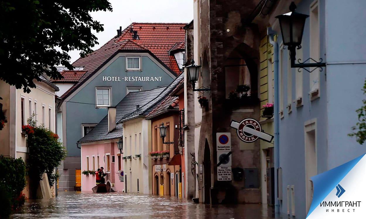 Затопленная улица венгерского города